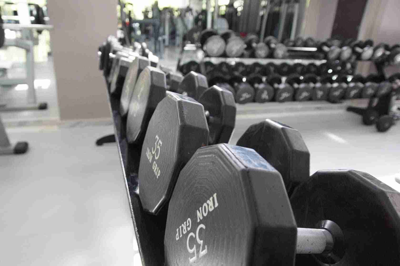 Dumbbells in #AxionFitnessClub